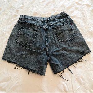 Vintage | 90's Distressed Acid Wash Jean Shorts